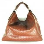 На заметку.  Большое количество брендовых женских сумок предлагает.