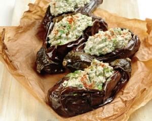 Баклажаны с грецкими орехами и зеленью