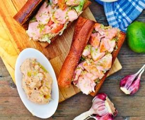 Сэндвич с запеченным лососем