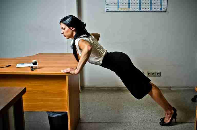 упражнения в офисе в картинках